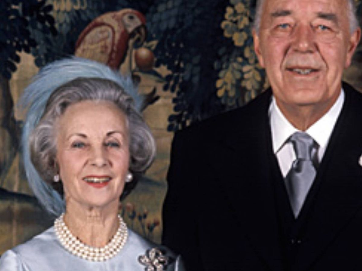 Foto: Los príncipes Bertil y Lilian May Davies, en su boda. (Casa Real de Suecia / Jan Collsiöö, Scanpix)