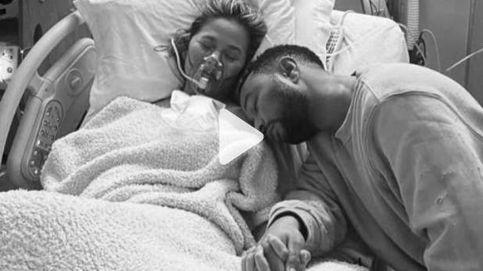 Chrissy Teigen abre su corazón en una emotiva carta tras perder a su bebé