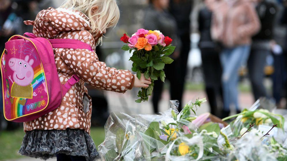 Foto: Acto en homenaje a las víctimas del tiroteo de Utrecht. (Reuters)