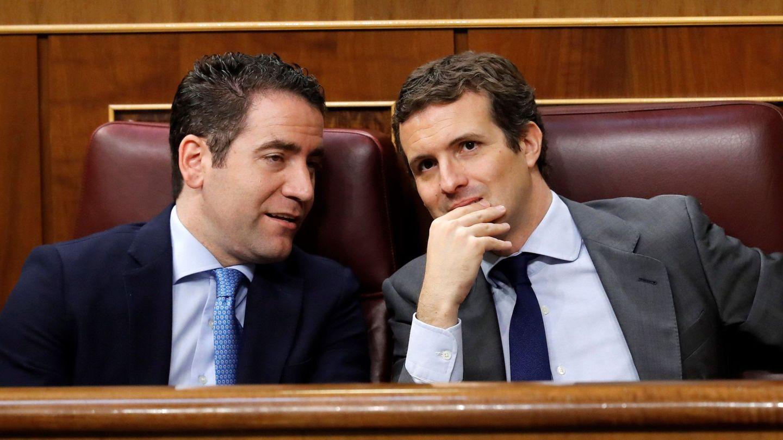 Teodoro García Egea y Pablo Casado, en el Congreso. (EFE)