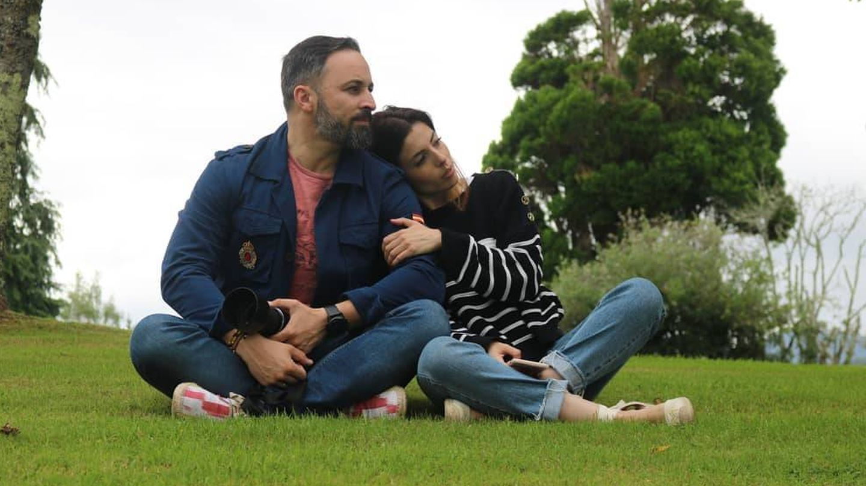 Santiago Abascal y Lidia Bedman, de vacaciones. (Redes)