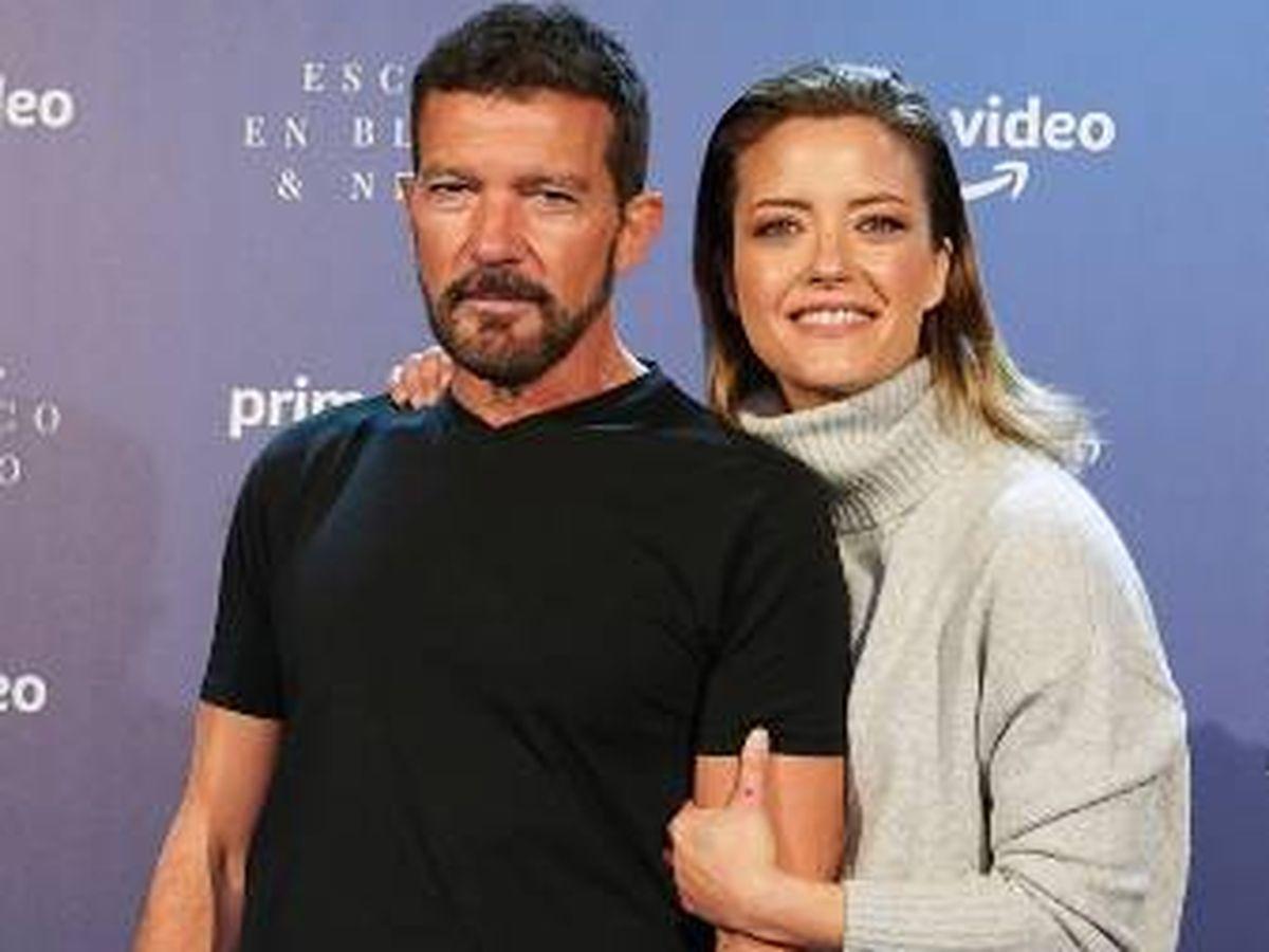 Foto: Antonio Banderas y María Casado. (Amazon Prime Video)