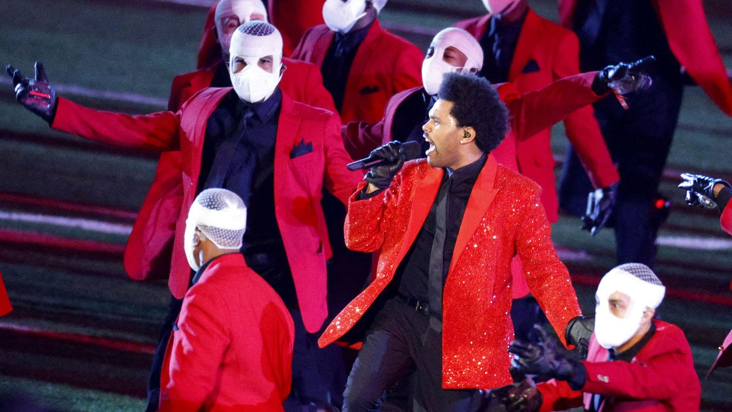NFL Football - Super Bowl LV Halftime Show - Tampa Bay Buccaneers v Kansas City Chiefs - Raymond James Stadium, Tampa, Florida, U.S. - February 7, 2021 The Weeknd performs during the halftime show REUTERS Brian Snyder