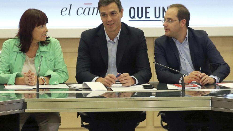 Sánchez exige a Mas que no se eche en brazos de la CUP para gobernar
