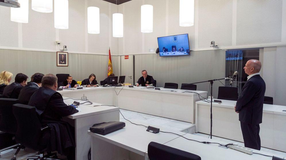 Foto: El general Hugo Carvajal comparece ante los jueces de la Audiencia Nacional. (EFE)
