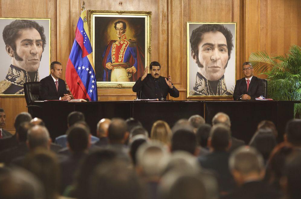 Foto: Fotografía cedida por la oficina prensa del Palacio de Miraflores, del presidente de Venezuela, Nicolás Maduro, el 1 de mayo de 2017. (EFE)