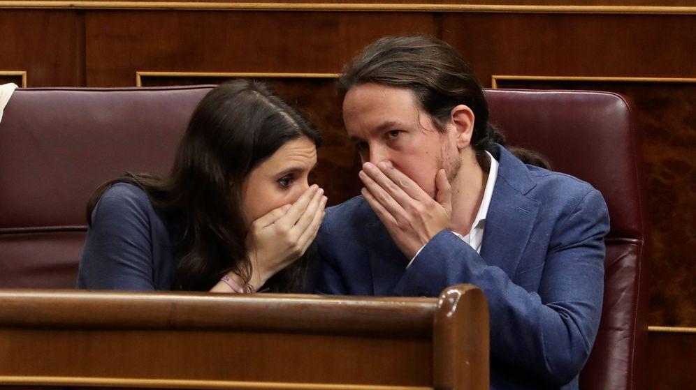 Foto: El líder de Unidos Podemos, Pablo Iglesias, y la portavoz Irene Montero. (EFE)