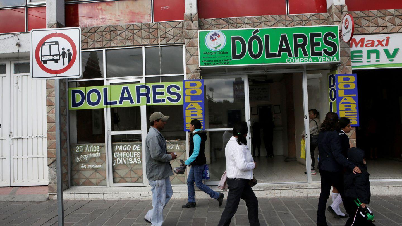 Fachada de una oficina de cambio y locutorio en Ixmiquilpán , México, en diciembre de 2016. (Reuters)