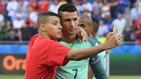 Hazte un 'selfie' con Cristiano Ronaldo estés donde estés (por una buena causa)