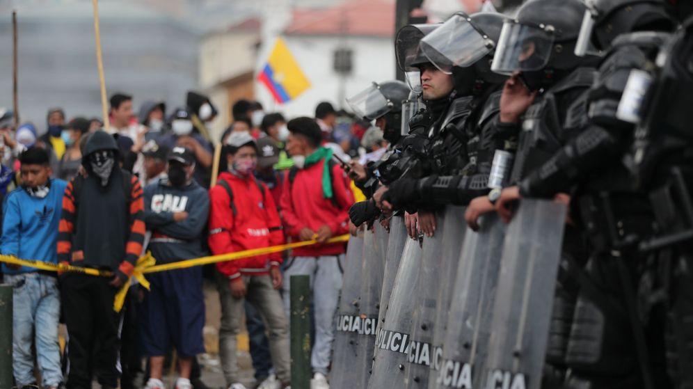 Foto: Policía antidisturbios en Quito, Ecuador. (Reuters)