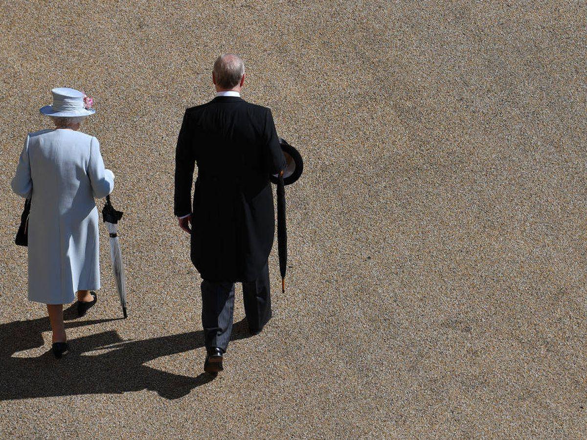 Foto: Isabel II y el príncipe Andrés. (Getty)