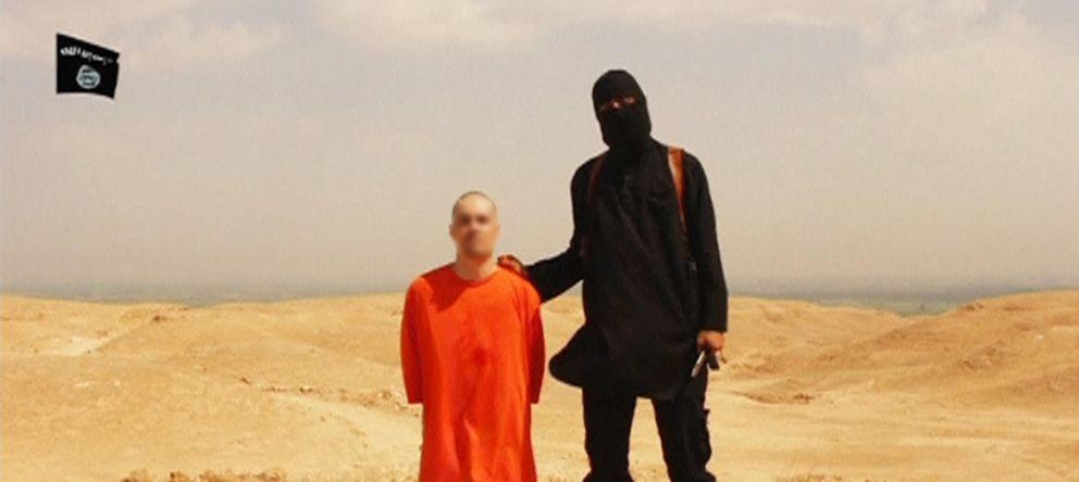 Foto: Fotograma del vídeo donde un miembro del Estado Islámico ejecuta al periodista James Foley.