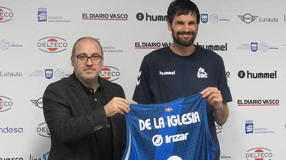Foto: Asier de la Iglesia due presentado este miércoles como nuevo jugador del Delteco GBC. (Delteco GBC)