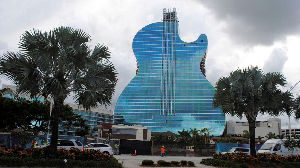 Foto: Construcción de un hotel de Hard Rock en forma de guitarra. (EFE)