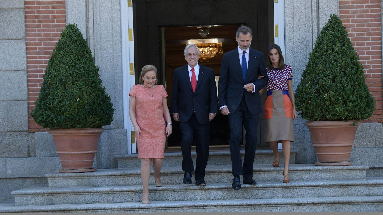 El presidente de Chile, con su esposa y los Reyes en una visita anterior. (Limited Pictures)