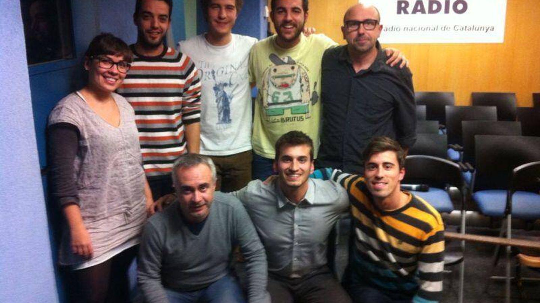 Marta Cristià con sus compañeros de Catalunya Radio.