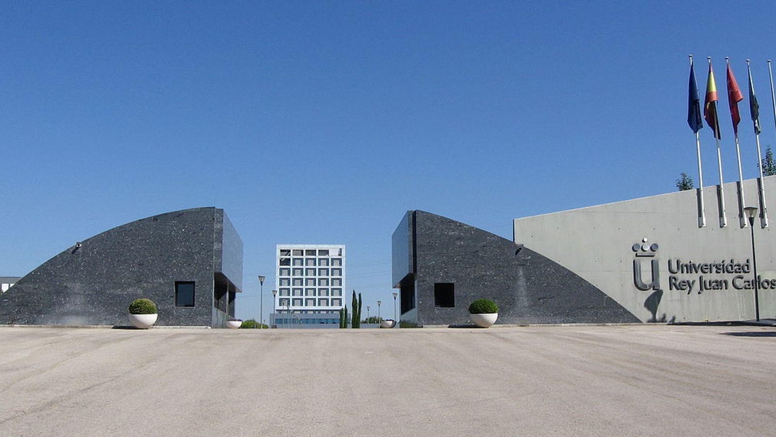 Foto: Entrada al Campus de Móstoles de la Universidad Rey Juan Carlos.