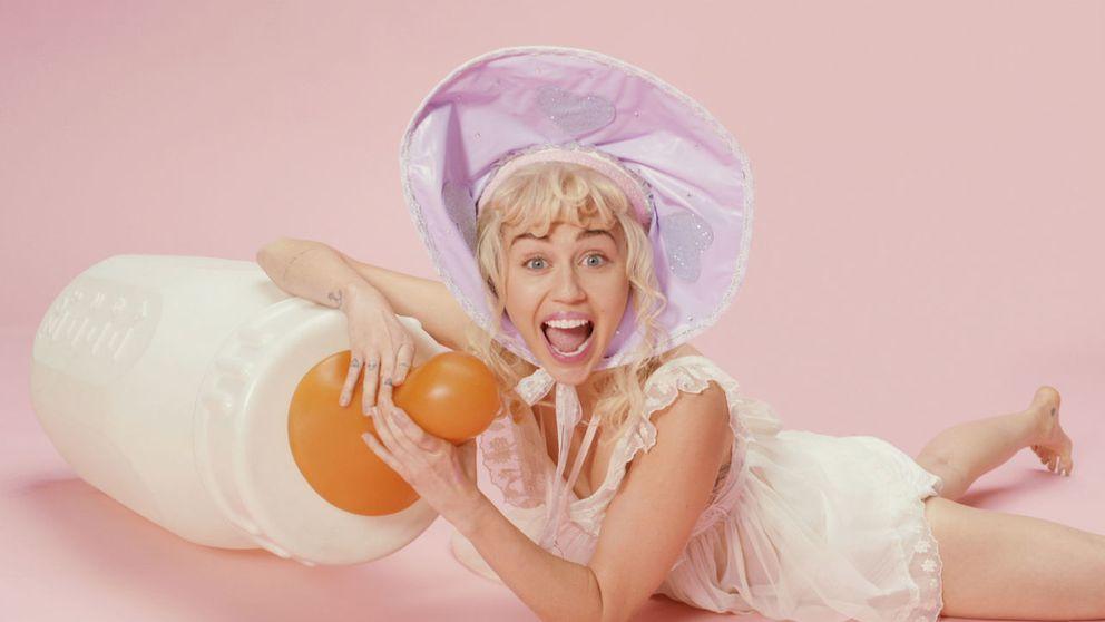 Miley Cyrus, un bebé 'inocente' en su nuevo videoclip