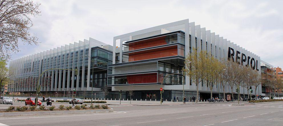 Foto: Sede de Repsol en Madrid (Foto: Luis García. Wikipedia)