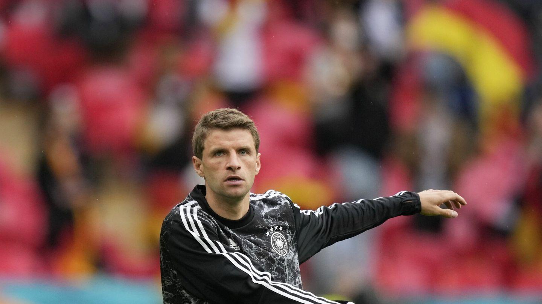 Müller, calentando. (EFE)