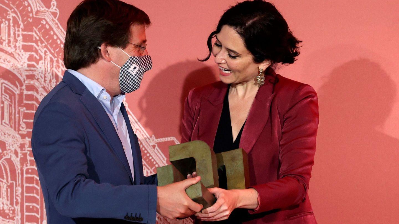 Isabel Díaz Ayuso y José Luis Martínez-Almeida. (EFE)