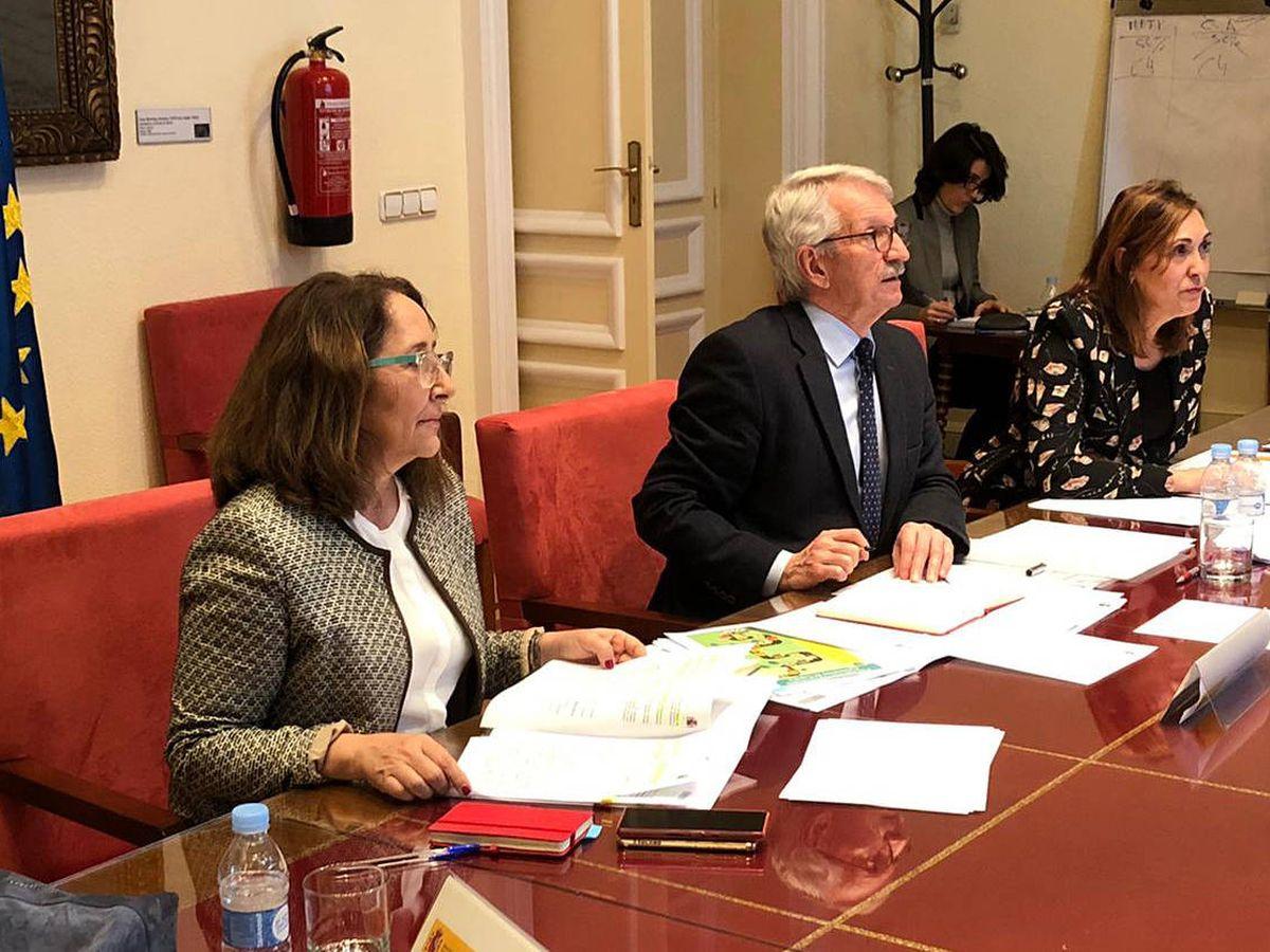 Foto: Reunión entre el Ministerio de Educación y FP, el Ministerio de Universidades y las Comunidades Autónomas, junto a representantes de la CRUE.