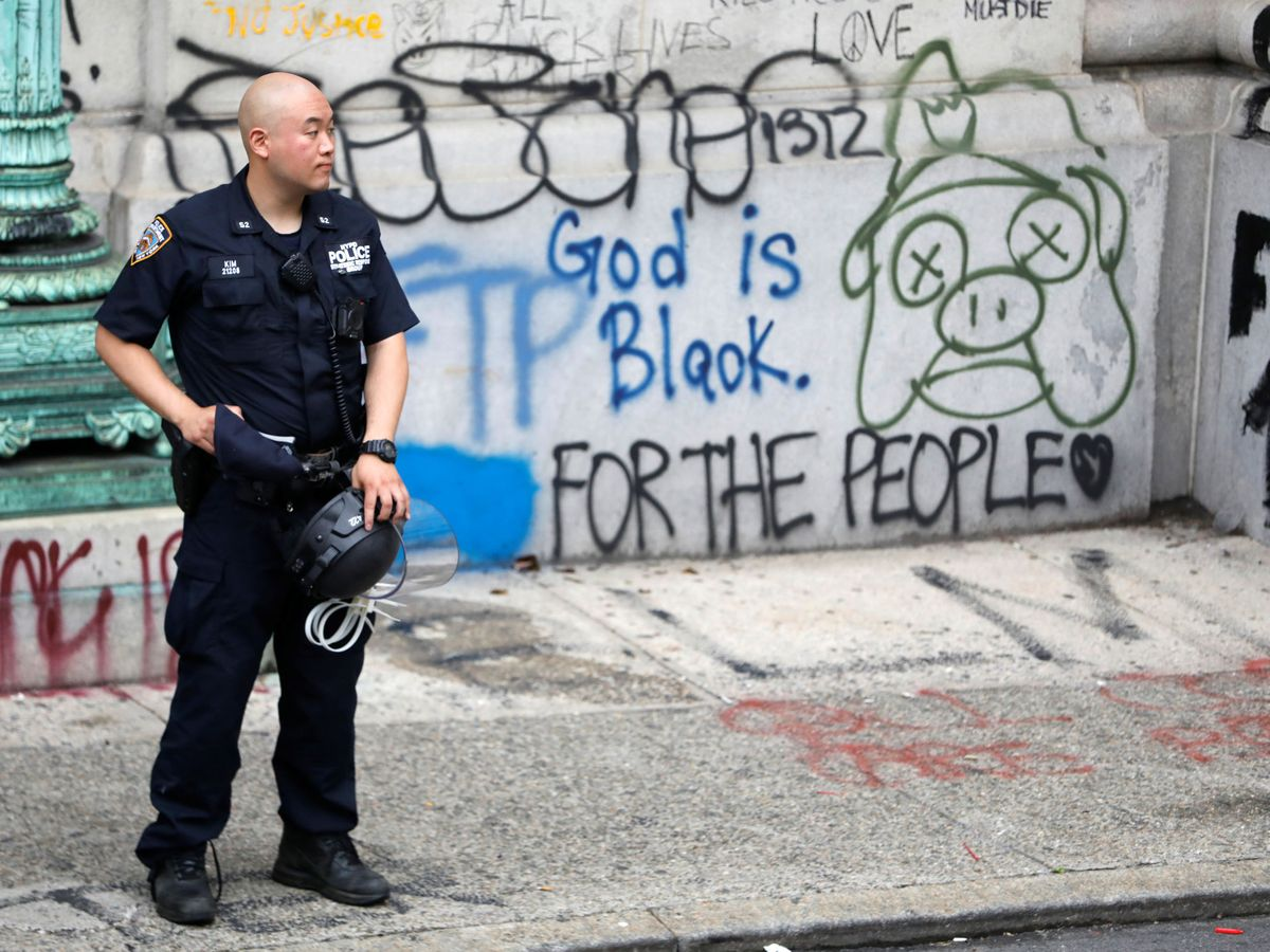 Foto: Un agente de la Policía de Nueva York. (Reuters)
