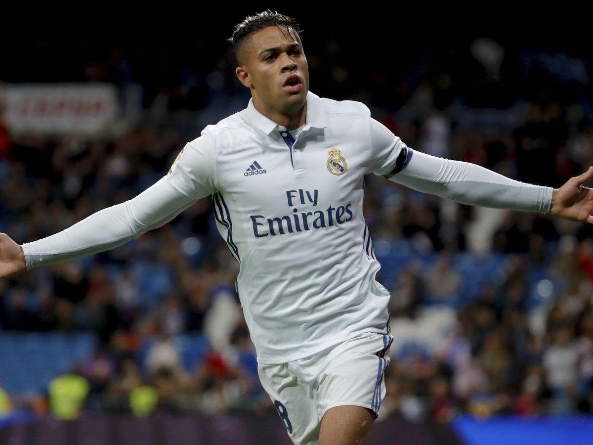 Foto: Mariano celebra un gol en un partido contra la Cultural Leonesa. (Efe)