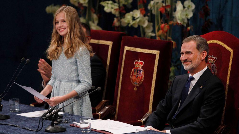 Foto: La princesa Leonor y el rey Felipe VI, en Asturias. (EFE)