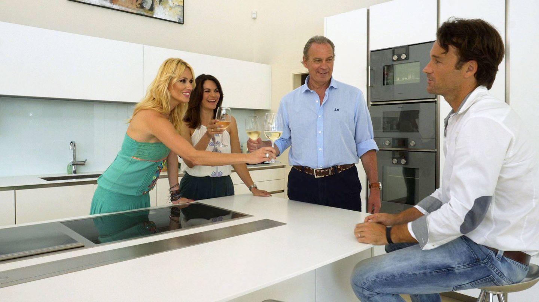 Carlos Moyá y Carolina Cerezuela, en 'Mi casa es la tuya'. (Mediaset)