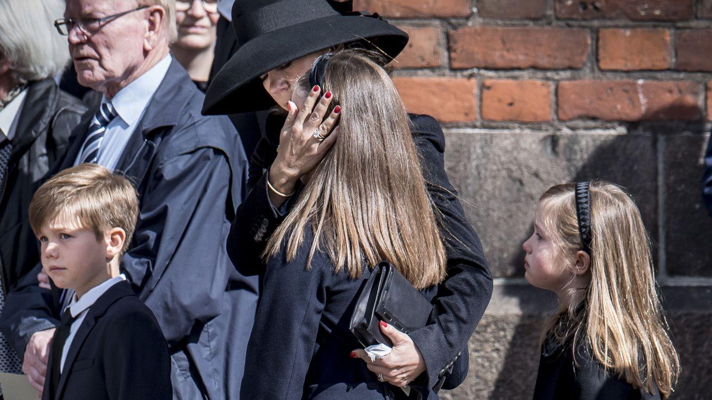 Mary de Dinamarca, en el funeral. (EFE)
