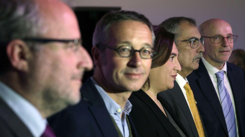 Pau Villòria (2d), en una presentación de la Fundación Mobile World Capital Barcelona. (EFE)