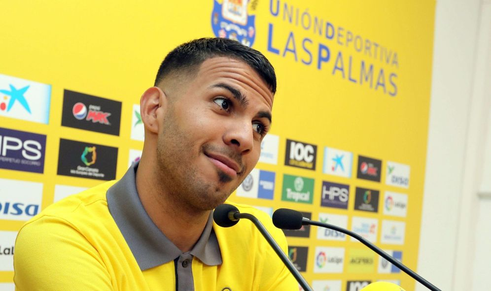 Foto: En la imagen, Jonathan Viera durante la rueda de prensa que ofreció este martes. (EFE)