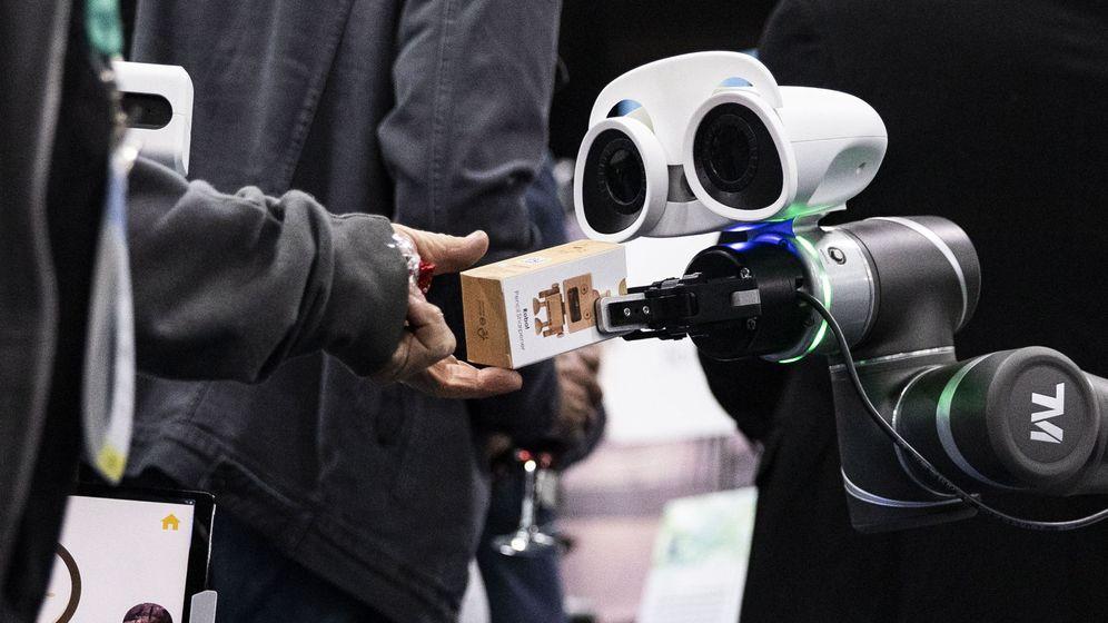 Foto: Un robot en la feria de electrónica de consumo de Las Vegas. (Efe)