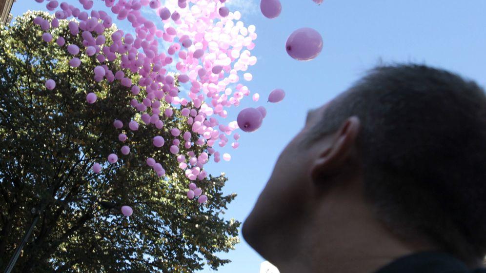 Foto: Los hombres también sufren cáncer de mama (EFE/Luis Tejido)