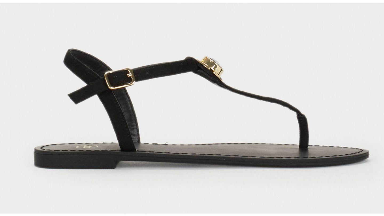 Nuevas sandalias planas de Parfois. (Cortesía)