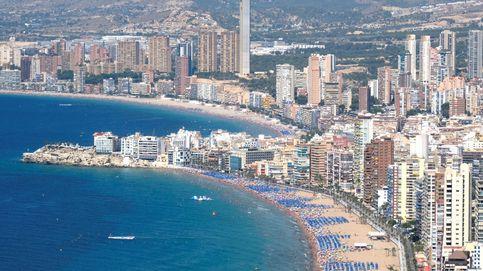 ¿Por qué no se van a otro sitio?: inglesa se queja de los españoles en Benidorm