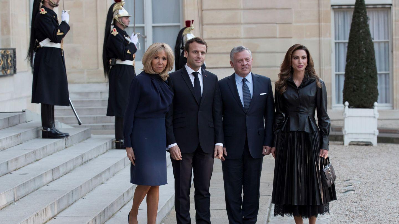 Emmanuel y Brigitte Macron, junto a los reyes de Jordania. (EFE)
