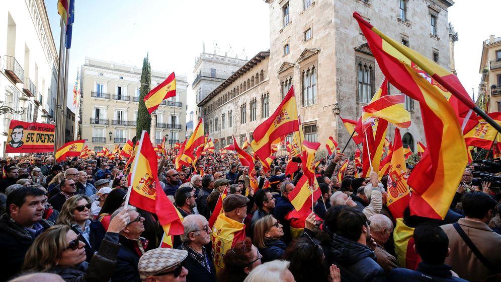 Foto: Manifestación convocados por España existe en Valencia. (EFE)