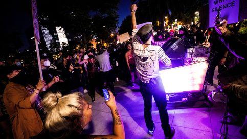 Protesta masiva en los Ángeles y una discoteca/restaurante en Suiza: el día en fotos