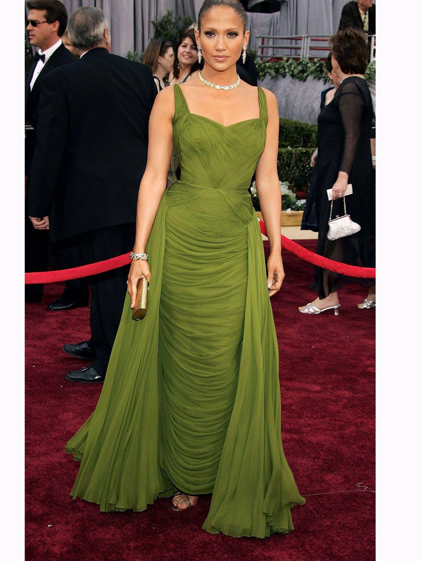 Jennifer Lopez, con un vestido vintage de Jean Dessès. (Getty)