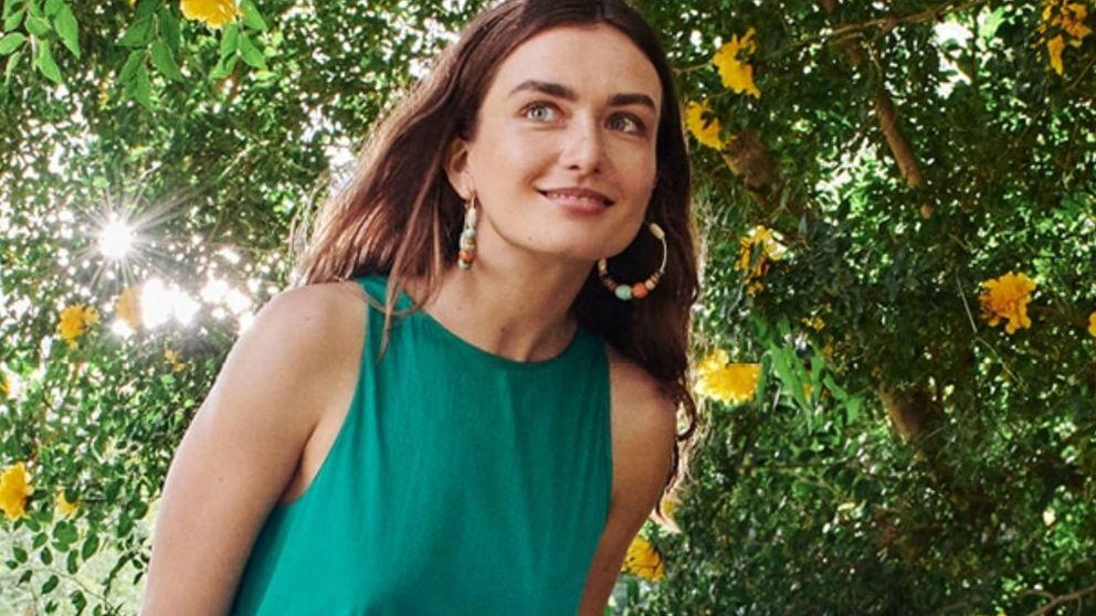 Mango y su nuevo vestido verde nos hacen soñar con los viajes y vacaciones de verano de 2020