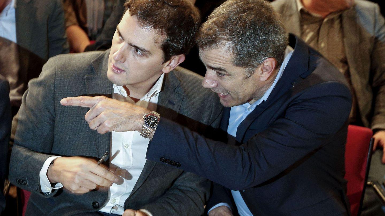 El líder de Ciudadanos, con Toni Cantó. (Efe)