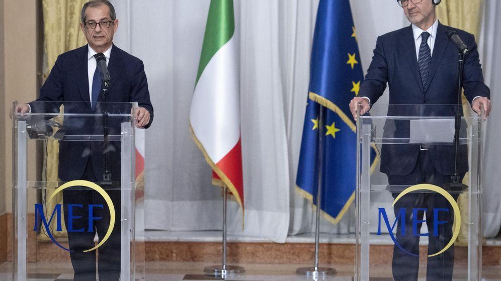Foto: El comisario europeo de Asuntos Económicos, Pierre Moscovici (d), y el ministro de Economía italiano, Giovanni Tria. (EFE)
