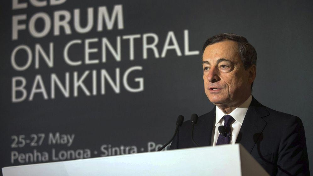 Foto: El presidente del BCE, Mario Draghi, durante el foro de Sintra de 2014
