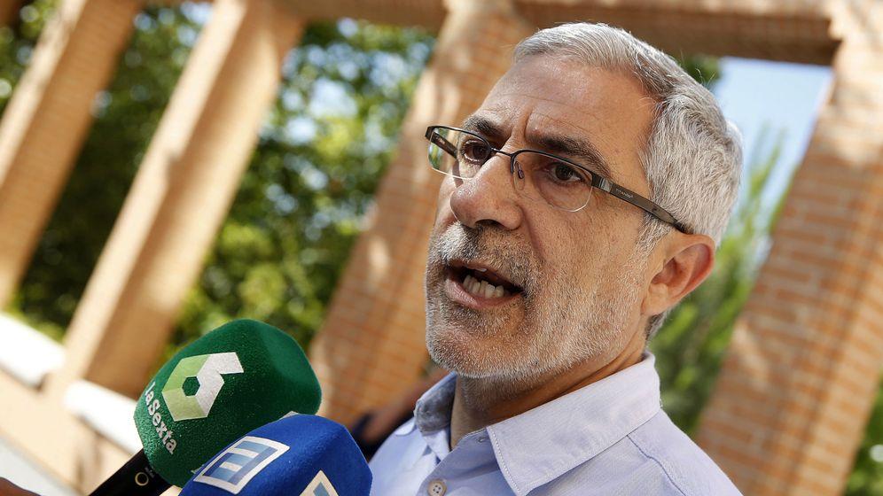 Foto: El excoordinador de IU Julio Llamazares. (EFE)