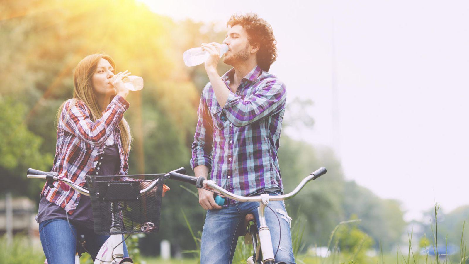 Foto: No creas todo lo que oigas sobre la hidratación. (iStock)