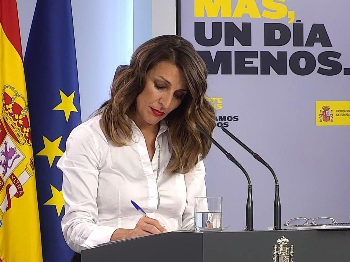 Foto: Captura de la señal institucional de Moncloa de la ministra de Trabajo, Yolanda Díaz. (EFE)
