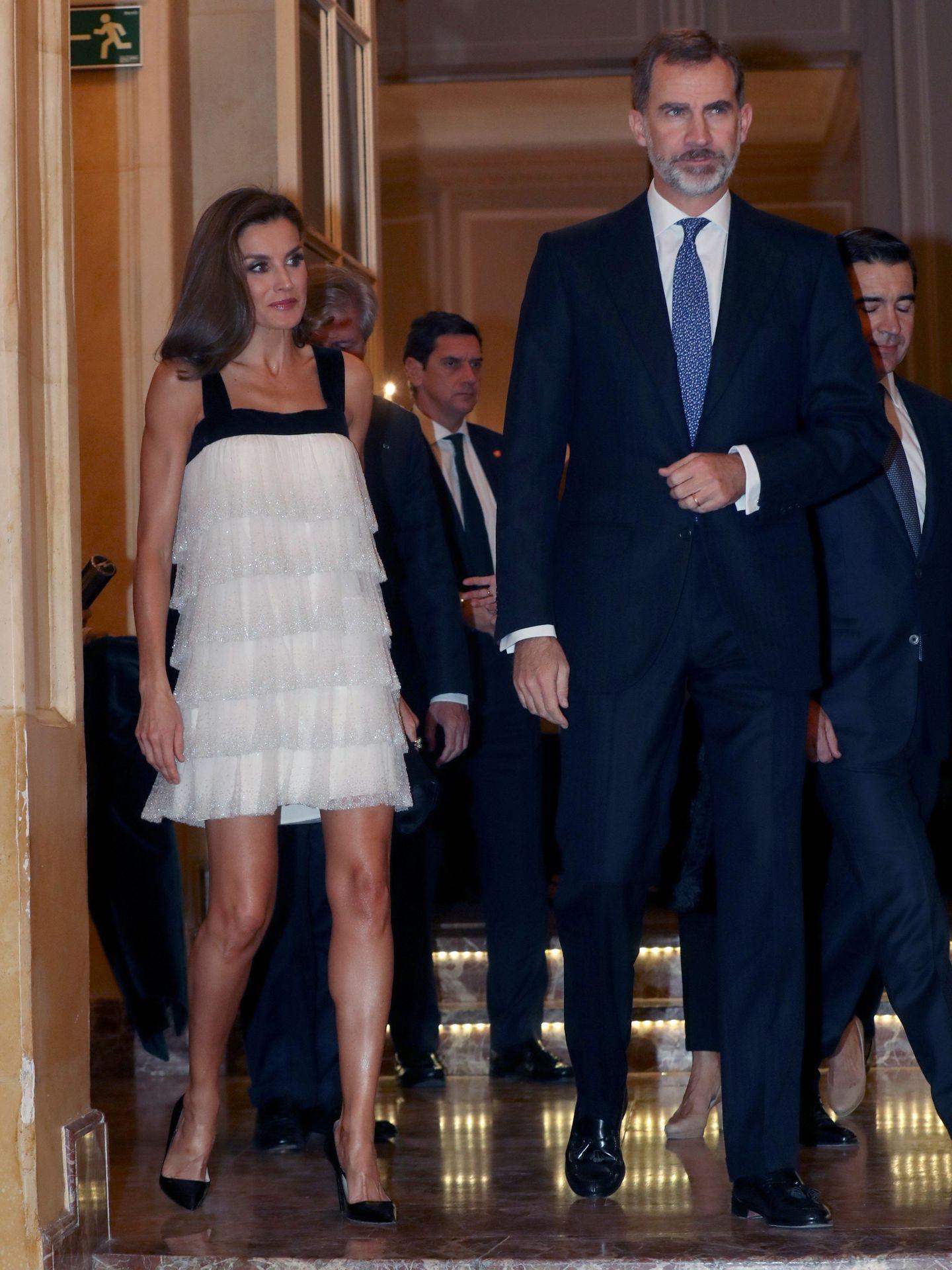 El rey Felipe y la reina Letizia, en el Premio de Periodismo Francisco Cerecedo. (EFE)