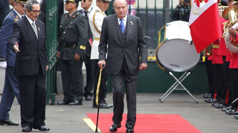 Foto: El rey emérito Juan Carlos de España asiste a la ceremonia de investidura del presidente peruano, Pedro Pablo Kuczynski. (EFE)